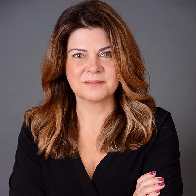Paola Otero Russo | Varella Advogados